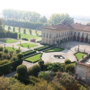 Villa Arconati Crivelli - Il Castellazzo di Bollate: Cortile dei Nobili veduta aerea