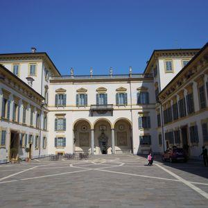 Villa San Carlo Borromeo a Senago: la corte